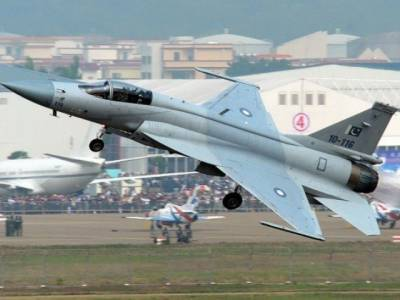 Pakistan in talks with Malaysia for sale of JF - 17 fighter Jets