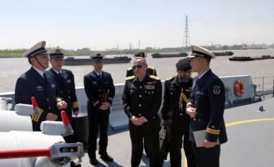 Pakistan Navy Chief visits Shanghai Naval Base