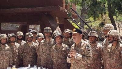 Corps Commander asks troops to hit back hard to any ceasefire violation by Indian Forces