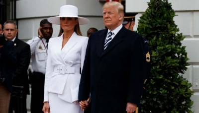 (VIDEO): Donald Trump gets a snub from first lady Melania yet again