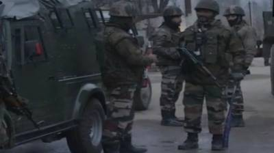 Indian paramilitary troops come under fire in occupied Kashmir