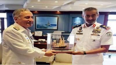 Pakistan - UAE Navies vow to enhance bilateral ties