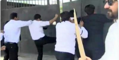 Faisalabad bar lawyers attack CPO Faisalabad office