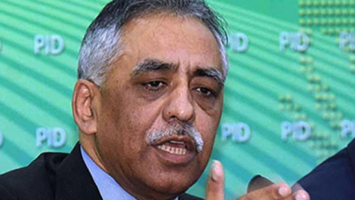 Center support Sindh government for Karachi mega projects: Zubair