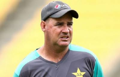 Pakistan coach Mickey Arthur vow to exploit England uncertainty in test series