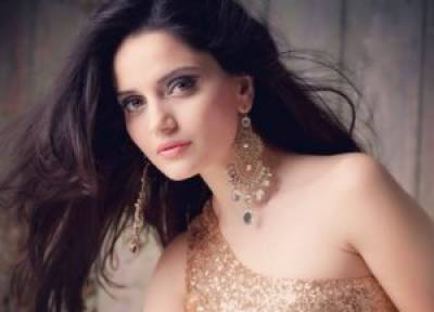 Pakistani actress Armeena Khan to leave for Syria to help Muslim refugees children