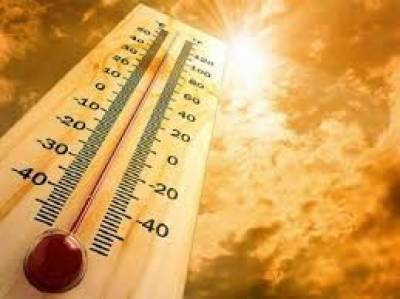 High temperature, absence of breeze makes life difficult in Karachi