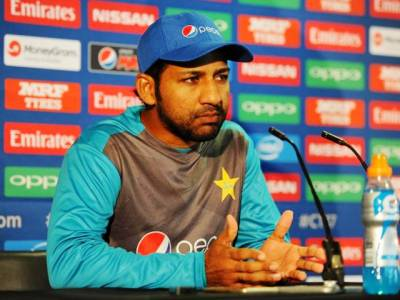 Sarfraz wants Pakistan's senior service to lead at Lord's