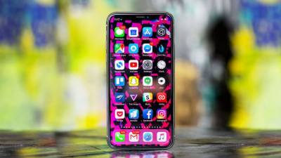Apple to launch three new iPhones