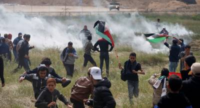 Two Palestinians wounded in Gaza border clashes die