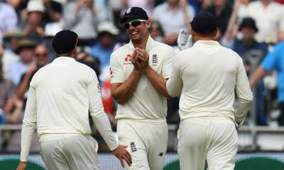 Pakistan collapses against England in second test