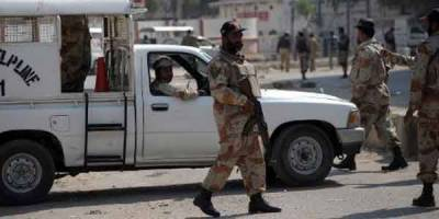 Suicide bomber attacks Rangers checkpost in Karachi