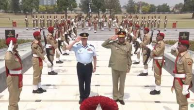 Australian commander acknowledges Pak Army's sacrifices in war against terror