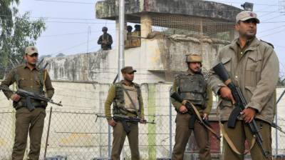 Two Indian policemen killed, 10 troops injured in IOK attacks