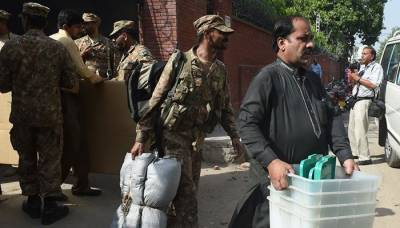 PML-N, PTI welcome ECP's decision of deploying army on election day