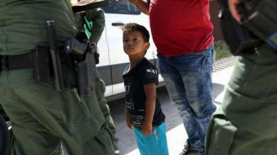 US child migrants: 2,000 separated from families in six weeks