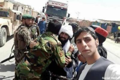 Taking selfies with soldiers, Afghan Taliban leaders to take disciplinary action against its members