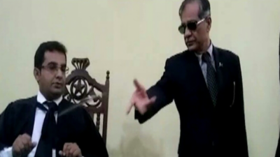 CJP Justice Saqib Nisar threw cell phone of local judge after admonishing him