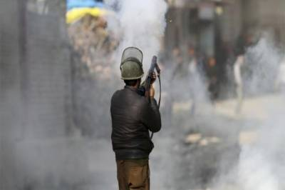 Massive clashes erupt in occupied Kashmir
