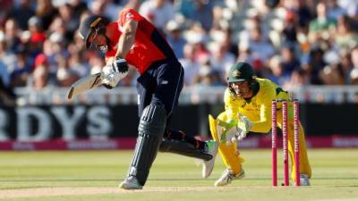 England beat Australia in first T20 by 28 runs