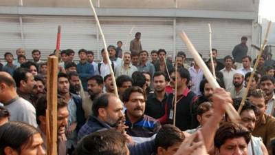 Five injured in clash between PTI, PML-N workers in Faisalabad
