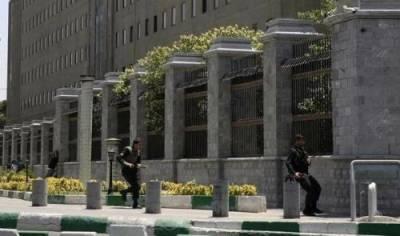Iran executes 8 Daesh terrorists over Tehran attacks
