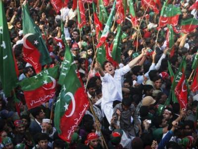 PTI celebrates verdict against Sharif family