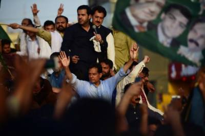 PML-N leader Captain (retd) Safdar goes to Adiala Jail