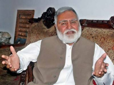 Several injured in explosion near Akram Khan Durrani's convoy in Bannu