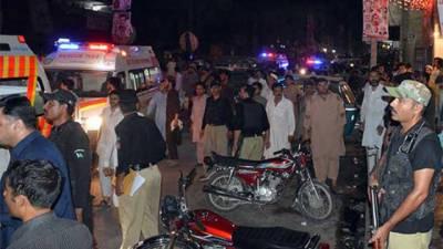 KP govt distributes Rs 200,000 to Peshawar Blast injured