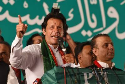Shehbaz played Nawaz, says Imran Khan