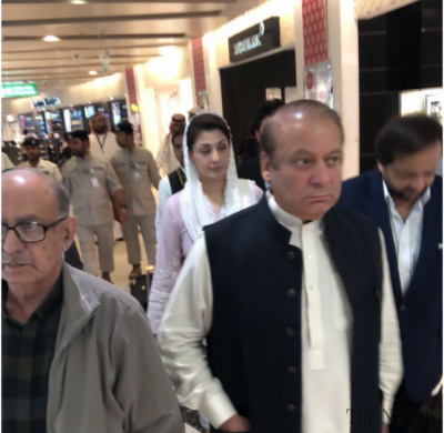 Did Nawaz Sharif meet any influential figures at UAE lounge?