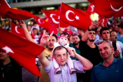 After two-year purge, Turkey to end state of emergency
