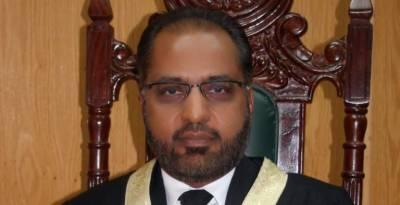 IHC Justice Shaukat Aziz Siddiqui lash out at secret agencies