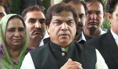 How can an accused instruct the court, judge asks Hanif Abbasi's lawyer