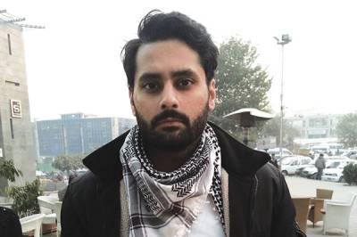 Jibran Nasir attacked in Karachi during elections campaign