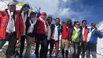 Team of 31 international mountaineers including two Pakistanis scale World's most dangerous peak K 2