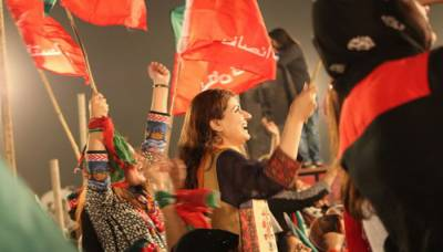 Imran Khan supporters celebrate as Pakistan faces electoral chaos