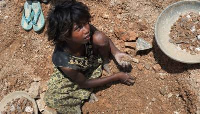 India is home to the largest number of slaves globally