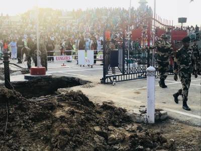 Pakistan and India to replace old gates at Wagah border: Report