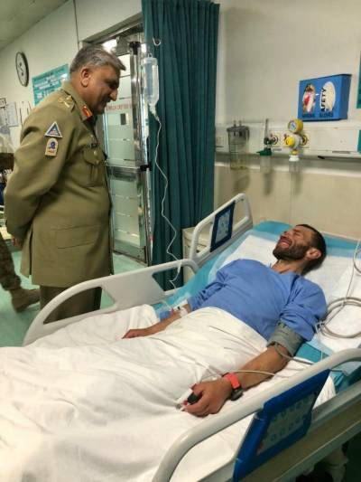 COAS General Bajwa meets rescued Russian mountaineer