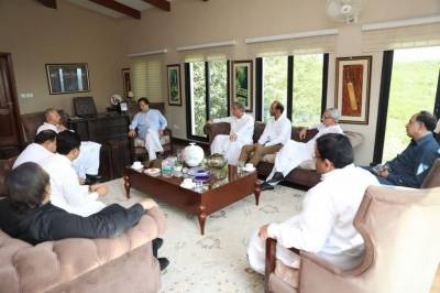 Consultations continuing at Bani Gala for formation of PTI govts at centre, Punjab & KP