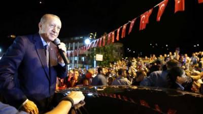 Erdogan says will defend Turkey against economic attacks
