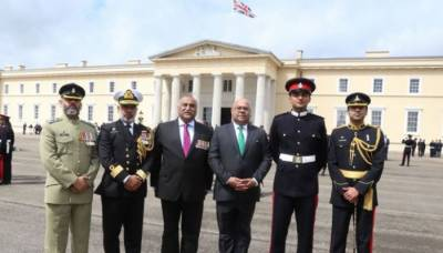 Queen praises Pak military officer's platoon