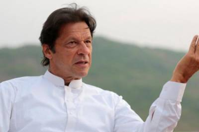 PM Imran Khan unveils his priorities in informall talks with cricketers