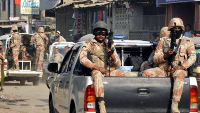 Rangers arrest 7 criminals in Karachi