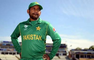 Skipper Sarfraz Ahmed wishes to become hero of this Bollywood actress