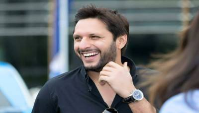Is Shahid Khan Afridi joining politics?