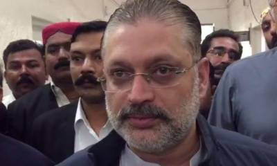 Startling revelation: Four bags full of cash recovered from Sharjeel Memon hospital room: Sources