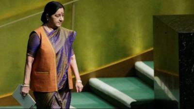 Sushma Swaraj to invite Pakistan Foreign Minister over a moot during UNGA session: Indian media